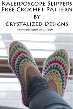 Create these fun, colorful slippers using this free slipper crochet pattern. Great for stash busting those small left over scraps of yarn, too! Crochet Home, Crochet Gifts, Crochet Baby, Free Crochet, Crochet Designs, Knitting Designs, Crochet Patterns, Crochet Slippers, Crochet Gloves