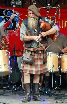 Saor Patrol ~ Band of the Scottish Highlands - Ultimate wedding entertainment ! Saor Patrol, Brave, Clan Buchanan, Scottish Music, Scottish Fashion, Highland Games, Celtic Music, Men In Kilts, Highlanders