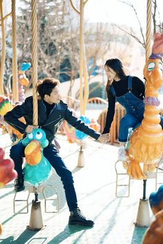 Movie Couples, Cute Anime Couples, Drama Film, Drama Movies, Li Hong Yi, K Pop, Ulzzang Couple, Handsome Actors, Couple Outfits