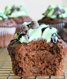 Mint-Chocolate Chip Cupcakes - I've been requested to try these, and as I'm a fan of mint chocolate, so don't mind if I do!