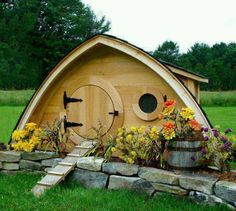 Pixie house? The Lord of the rings. Senhor Frodo...