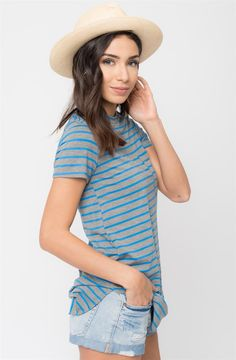 A seriously soft knit tunic in timeless stripes. Cut long and loose in an easy fit, with a banded round neckline.