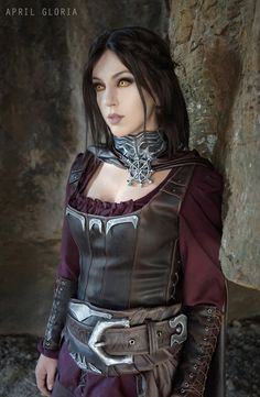 Character: Serana / From: Bethesda Softworks 'The Elder Scrolls V: Skyrim – Dawnguard' / Cosplayer: April Gloria / Photo: CG (2016)