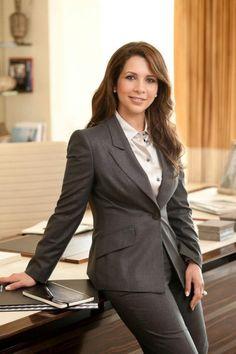 Princess Haya, daughter of King Hussein of Jordan & wife of Sheikh Mohammed of Dubai Princess Haya, Royal Princess, Jordan Wife, Queen Noor, Jordan Royal Family, Desi Wedding Dresses, Queen Elizabeth Ii, Work Fashion, Boss Lady
