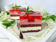 Ala piecze i gotuje: Ciasto z budyniem i truskawkowym musem