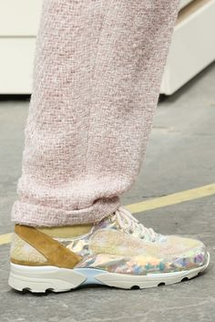 Chanel Fall 2014 Ready-to-Wear Fashion Show Details