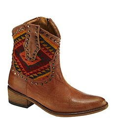 love these tribal boots!!!