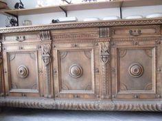Handgearbeitete Holztruhe antik - Einzelstück. 3.531.576 Angebote. Günstig kaufen und gratis inserieren auf willhaben.at - der größte Marktplatz Österreichs.