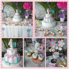 Mesa dulce lila, rosa y azul
