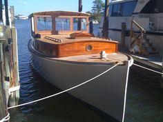 Eldredge McInnis Picnic Boat: 32 ft, 1926. LOVE THIS!