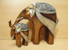 Familia Elefantes Elephant Icon, Elephant Love, Elephant Art, Paper Mache Crafts, Ceramic Art, Metal Art, Feng Shui, Sculpture, Kurtis