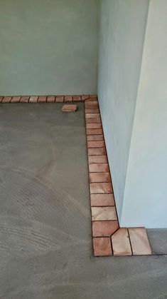 These corners add a clean edge with extra character. Brick Design, Floor Design, Patio Design, Exterior Design, House Design, End Grain Flooring, Brick Flooring, Brick Architecture, Architecture Details