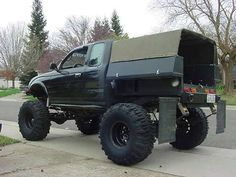 If you could build a truck, no budget. - : and Off-Road Forum Toyota Pickup 4x4, Toyota Trucks, Custom Trucks, Cool Trucks, Pickup Trucks, Cool Cars, Truck Flatbeds, Truck Mods, Truck Camping