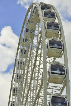 The Smoky Mountain Wheel in Pigeon Forge - You can't miss it when you are driving down the Pigeon Forge strip!