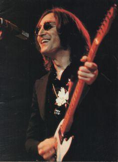 John Lennon's last ever live performance on November 28th 1974 at Madison Square Garden in New York.