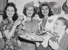 Susan Hayward, Joy Hodges, Rita Hayworth and Robert Stack at the Brown Derby, 1939