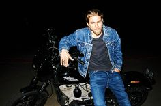 imjust-peachy:  Charlie Hunnam photographed by Terry Richardson