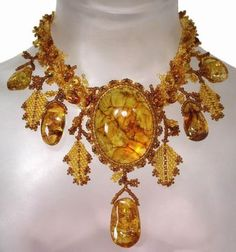 Amber and glass bead necklace Amber Necklace, Amber Jewelry, Jewelry Art, Antique Jewelry, Beaded Jewelry, Jewelry Accessories, Vintage Jewelry, Beaded Necklace, Jewlery