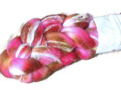 "Merino Bamboo Wool Roving - Hand dyed Spinning - Felt - Feltart - Fibers ""Cho Chang Harry Potter Saga"" - Harry Potter Fiber - Handdyed Wool door SussesSpindehjrne op Etsy https://www.etsy.com/nl/listing/190212009/merino-bamboo-wool-roving-hand-dyed"