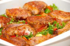 Kylling i fad med ris er nem aftensmad, hvor du laver hele retten i samme ildfaste fad. En god ret på travle hverdage. Foto: Guffeliguf.dk.