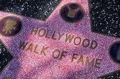 ロサンゼルス - 2011年10月15日:ロサンゼルスでハリウッドウォークオブフェイムの星。毎年約10万の訪問者を引き付ける2,400人以上の五の尖った星があります。 ストックフォト - 12059961