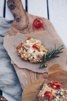 Hüttenkäsetaler selbermachen - einfaches Snackrezept - Picknick Idee - Super Rezept zur Resteverwertung. In 5 Minuten vorbereitet und in 15 Minuten fertig. Super lecker und einfach gemacht.