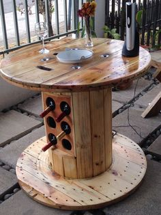 cable spool tables DIY Cable Spool Repurpose Ideas For Balcony Decoration - Balcony Decoration Ideas in Every Unique Detail Wooden Spool Tables, Cable Spool Tables, Wooden Cable Spools, Wood Spool, Cable Spool Ideas, Wooden Pallet Furniture, Rustic Furniture, Wood Pallets, Diy Furniture