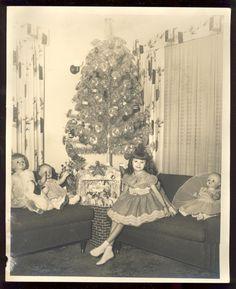Retro Pop Cult - jinxy7: Vintage Christmas photograph Via eBay