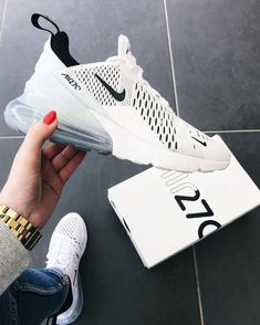 Nike Air Max 270 White / Black – hier kaufen Nike Shoes black and white nikes Black Nike Shoes, Nike Air Shoes, Nike Sneakers, Sneakers Fashion, Nike Trainers, Nike Tennis Shoes, Cute Nike Shoes, Black Sneakers, Sports Shoes