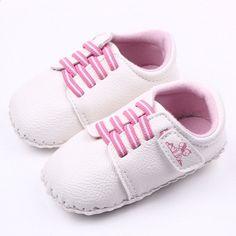 39bb00c27cc6b Bayi laki-laki perempuan halus PU tangan jahitan sepatu bayi lembut alas  kaki sepatu pedometer belajar berjalan pertama berjalan sepatu Balita xz88