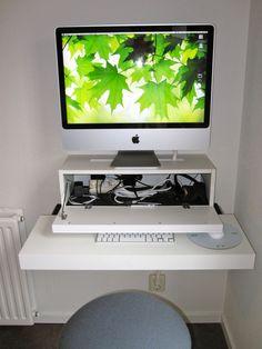 bureau apple mac Ikea hack 640x853 Ikea hackers : Les meilleures idées de détournements de meubles