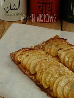 This pie is just the best I have ever tasted. My mother had found it in a magazine and we had it done a year or two ago, but I remember it as if it was yesterday: the crisp puff pastry , fondant apples . Desserts With Biscuits, No Cook Desserts, Sweet Recipes, Cake Recipes, Dessert Recipes, Tarte Fine, Wontons, Sweet Pie, Food Cakes