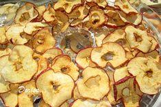 Sušené jablečné chipsy Tofu, Stuffed Mushrooms, Cookies, Vegetables, Desserts, Fitness, Stuff Mushrooms, Crack Crackers, Tailgate Desserts