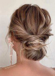44 Messy updo hairstyles - The most romantic updo to get an elegant look 44 Romantic Messy updo hairstyles for medium length to long hair - messy updo hairstyle for elegant look, hairstyle ideas , updo, wedding updo hairstyle ,textured updo Formal Hairstyles For Long Hair, Ball Hairstyles, Box Braids Hairstyles, Hairstyle Ideas, Elegant Hairstyles, Medium Updo Hairstyles, Hair Styles For Formal, Formal Hair Down, Night Out Hairstyles