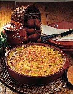 Bacalhau com Natas e Béchamel Other Recipes, Fish Recipes, Codfish, Bechamel, Portuguese Recipes, Carne, Monitor, Main Dishes, Delish