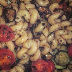 Cellentani integrali con zucchine e pachino http://katynabio.blogspot.com/2015/06/pasta.html