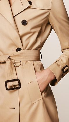 The Kensington - Mid-Length Heritage Trench Coat - Burberry