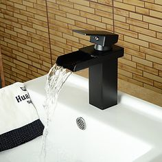 Modern Style Oil-rubbed Bronze Single Handle Single Hole Hot and Cold Water Bathroom Sink Faucet - Black http://www.tapso.co.uk/modern-style-oilrubbed-bronze-single-handle-single-hole-hot-and-cold-water-bathroom-sink-faucet-black-p-991.html