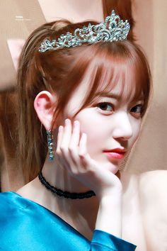 Photo album containing 25 pictures of Sakura Sakura Miyawaki, Japanese Girl Group, Bloom, Hair Styles, Beautiful, Beauty, Idol, Twitter, Pictures