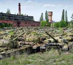 Tank Graveyard- this is where im going in the zombie Apocalypse!!