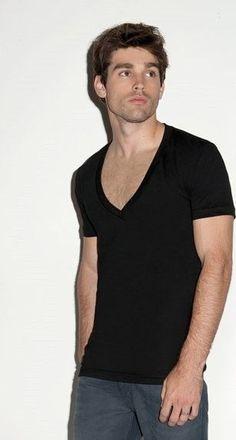 T-Shirt Deep V-Neck, tiefer V-Ausschnitt
