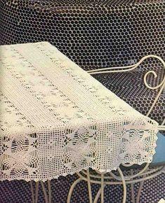 Crochê Gráfico: Toalha feita de squares e tiras de crochê