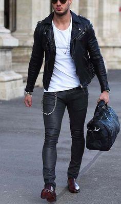urban men style // city boys // urban style // mens fashion // gym bag // city life // urban living // sun glasses // mens bag // modern accessories //