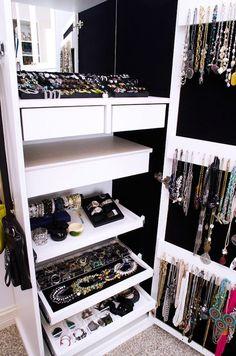 W/In Closet Jewelry Organizer