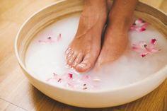 7 Foot Soak Recipes To Re-Energize & Re-Invigorate