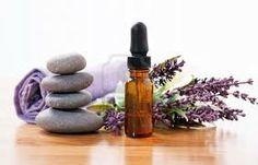 El aceite esencial de lavanda es probablemente el aceite mas usado. La lavanda es un calmante natural para el sistema nervioso y ayuda a equilibrar estados emocionales. Es un sedante muy efectivo