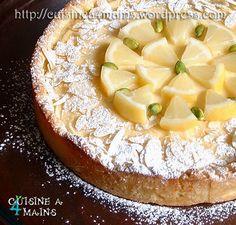 Longtemps fidèle à ma tarte au citron fétiche, j'ai fini par tester cette recette qui court ces derniers temps sur la blogosphère, et humm…. Un véritable délice gouteux, crémeux, acidulé mais doux…