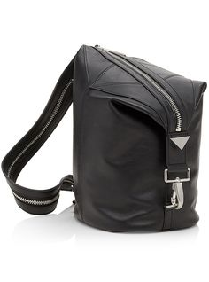 Looking for the perfect bag ? Visit LOULOUmagazine.com to shop the 100 of the trendiest bags of the season.
