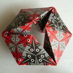 Fold a kaleidocycle