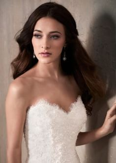 Sweetheart Beaded Lace Bodice Wedding Dress with Lace Applique